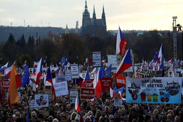 تظاهرات چند صد هزار نفری علیه نخست وزیر جمهوری چک