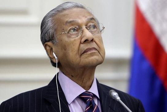 ماهاتیر محمد استعفای خود را تقدیم پادشاه مالزی کرد