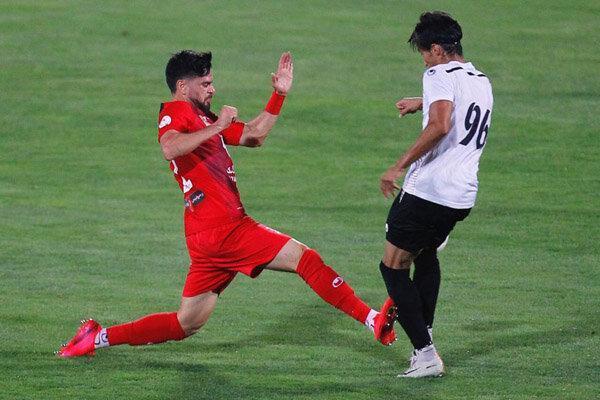 بازگشت مدافع موقت به پست اصلی، گل محمدی همچنان دنبال بازیکن جدید